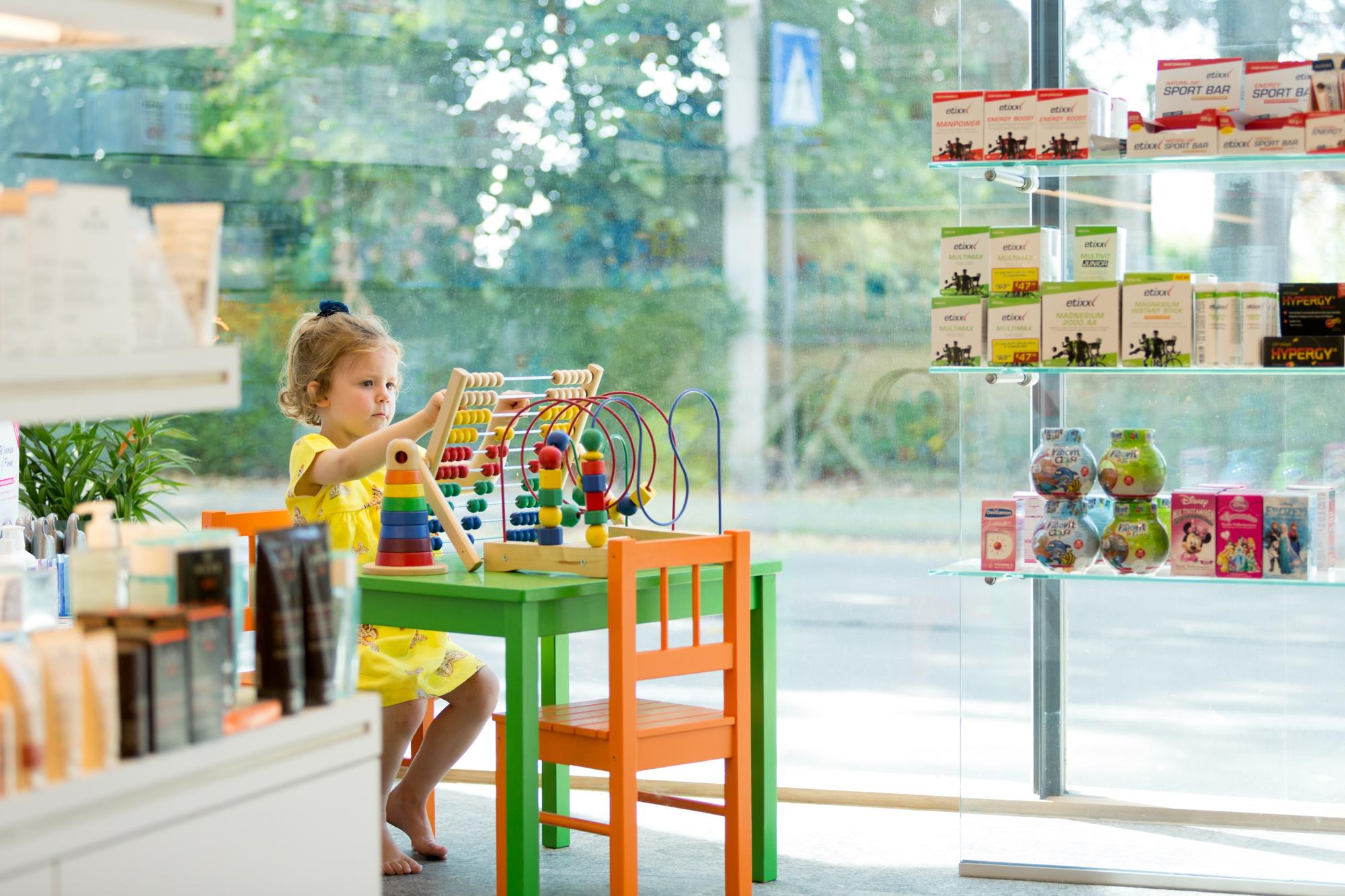 speelhoekje apotheek van rengen